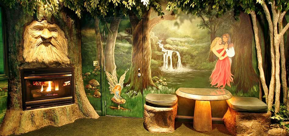 Black Swan Inn The Enchanted Forest Suite In Pocatello